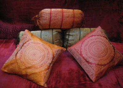 Cushions & bolsters
